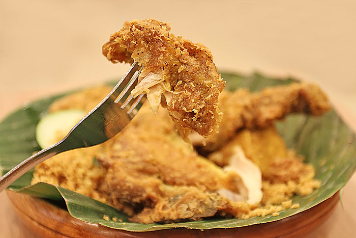 ayam penyet ria the first in singapore