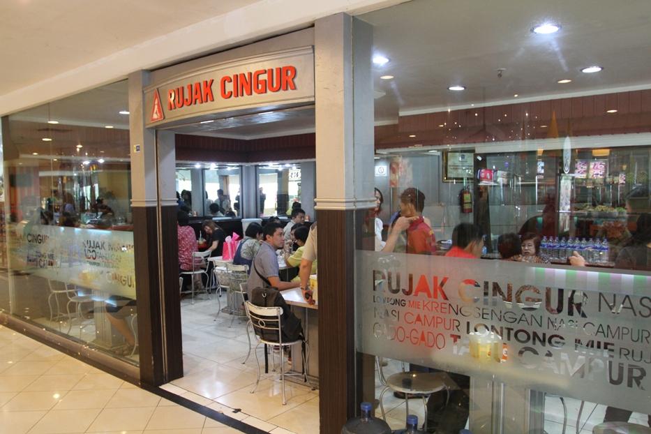 Rujak Cingur, Plaza Surabaya